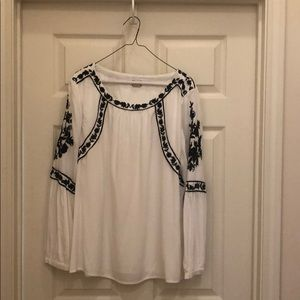 Chico's White with Detailed black design